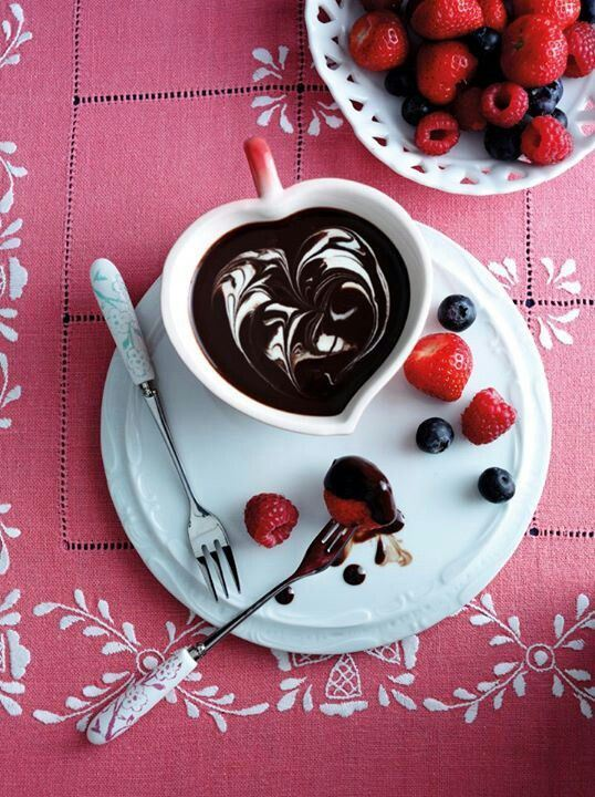 Chocolate Fondue with Berries
