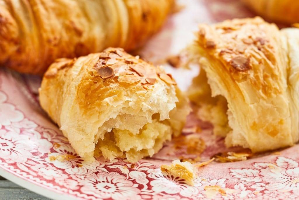 Almond_Croissant_1-1.jpg