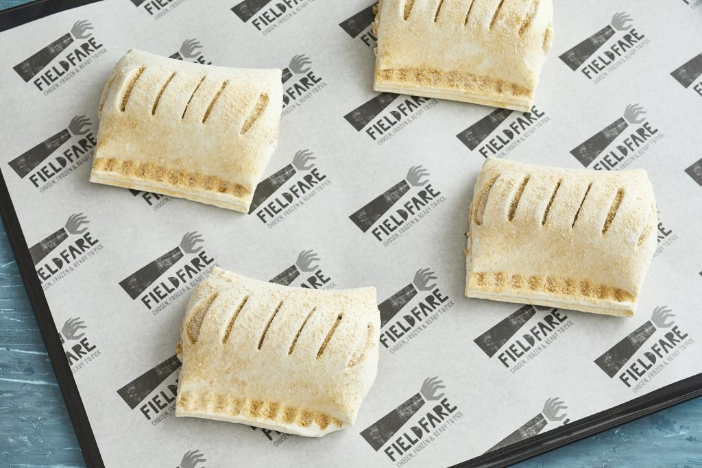 MM-Sausage-roll-frozen-on-baking-tray-lo-res_FF_21_Sess2-1221-1.jpg